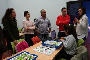Escolares de Burguillos del Cerro, Medina de las Torres y Los Santos aprenderán a programar robots y videojuegos con contenidos medioambientales