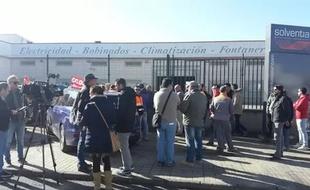 La plantilla de Solventia en Zafra secunda unánimemente la huelga parcial convocada por CCOO para reclamar el pago de nóminas
