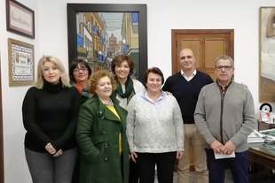 Zafra Solidaria, Cáritas y Apnasurex se reparten los 2055 euros del Roscón Solidario