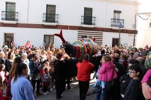 El Día de la Sardina pone fin a un exitoso Carnaval en Los Santos de Maimona