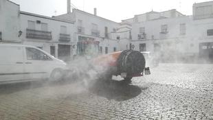 Mañana miércoles se desinfectarán de nuevo las calles de Fuente del Maestre
