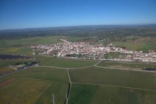 El alcalde de Medina de las Torres informa de un positivo por covid-19 en la localidad