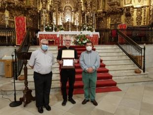 La Comunidad Parroquial de Fuente del Maestre despidió al sacerdote Anthony Kiely