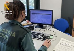 La Guardia Civil investiga a un vecino de Zafra por simular y denunciar cargos no autorizados en su cuenta bancaria