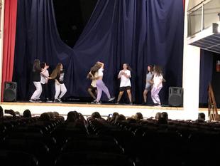 La Escuela Urban Dance de Badajoz ofreció un bonito espectáculo en Fuente del Maestre