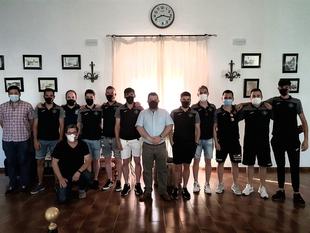 El Ayuntamiento de Fuente del Maestre realiza una recepción oficial al equipo de fútbol-sala Grupo López Bolaños tras el ascenso a 2ª División B