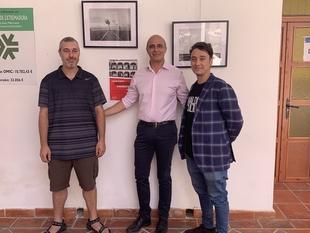 """El alcalde inaugura la exposición de fotografías """"Arquipaisajes"""" de Jonás Giraldo y Bernardo Cruz"""