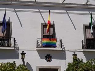 El Ayuntamiento se sumó a la conmemoración del Día Internacional del colectivo LGTBI