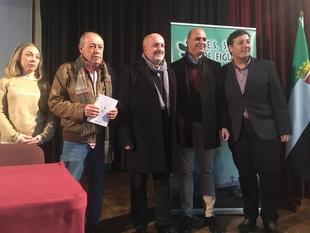 José Ángel Losada recibió el XXI Premio de Poesía `García de la Huerta´ en Zafra