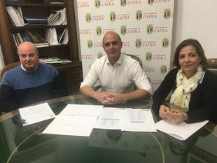 La mejora de la eficiencia energética supondrá un ahorro superior a 20.000 euros anuales en 45 calles y plazas de Zafra