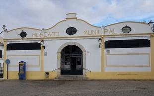 El Ayuntamiento de Fuente del Maestre recibe dos nuevas subvenciones para el mercado de abastos y guardería infantil