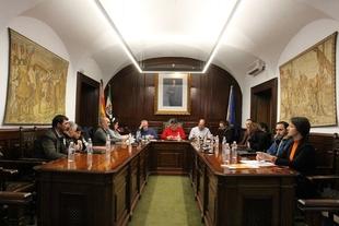 La Corporación Municipal se reunía en el Ayuntamiento de Los Santos para celebrar el Pleno Ordinario