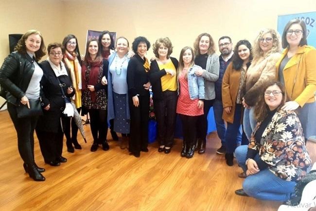 La directora general de Servicios Sociales inaugura la nueva sede de Aimcoz en Zafra