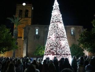 Los Santos de Maimona enciende su Navidad este sábado
