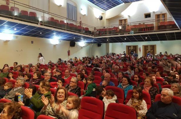 El `XX Día del Abuelo y el Nieto´ de Fuente del Maestre congregó a más de 300 participantes