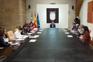 Prorrogados los servicios de atención social básica en Mancomunidad Río Bodión, Fuente del Maestre y Los Santos de Maimona