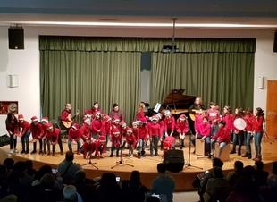 La Escuela Municipal de Música de Fuente del Maestre celebró la Navidad con el tradicional concierto navideño