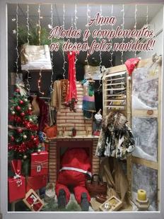 `Anna Modas y Complementos´ ganadora del primer concurso de escaparates navideños de Fuente del Maestre