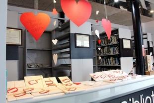 La Biblioteca Pública de Los Santos de Maimona propone a sus usuarios una cita por San Valentín