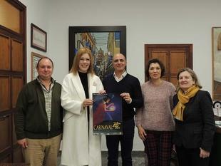 El Ayuntamiento de Zafra presenta el cartel anunciador del Carnaval 2020, de la artista local Ana Belén Álvarez