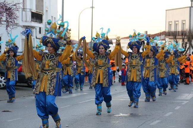 La alegría del Carnaval inundó las calles de Los Santos de Maimona en su gran desfile