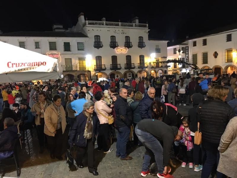 2000 raciones de migas y 1500 vasos de chocolate repartidos en Zafra por el carnaval