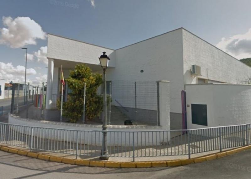 La guardería de Los Santos De Maimona informa sobre el modo de presentación de las solicitudes de admisión