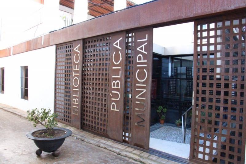 La Biblioteca de Los Santos de Maimona abrirá a partir de mañana para préstamos y devoluciones