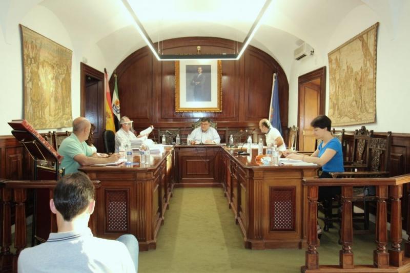 La Corporación Municipal de Los Santos de Maimona aprueba por unanimidad un Plan de Fomento de la economía y empleos locales