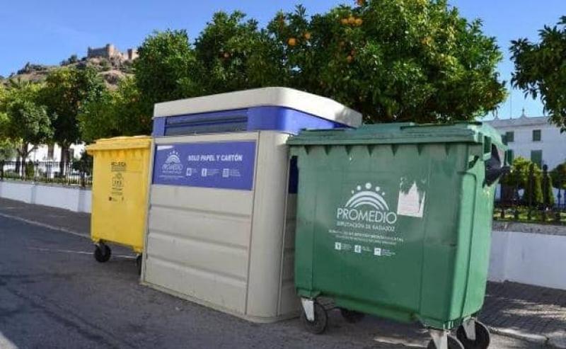 La recogida de basuras en Burguillos y Los Santos pasa a realizarse diariamente en horario matinal