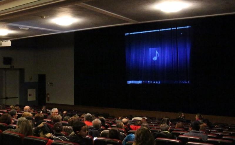 El cine y el teatro regresan a Los Santos de Maimona tras el parón provocado por el COVID-19