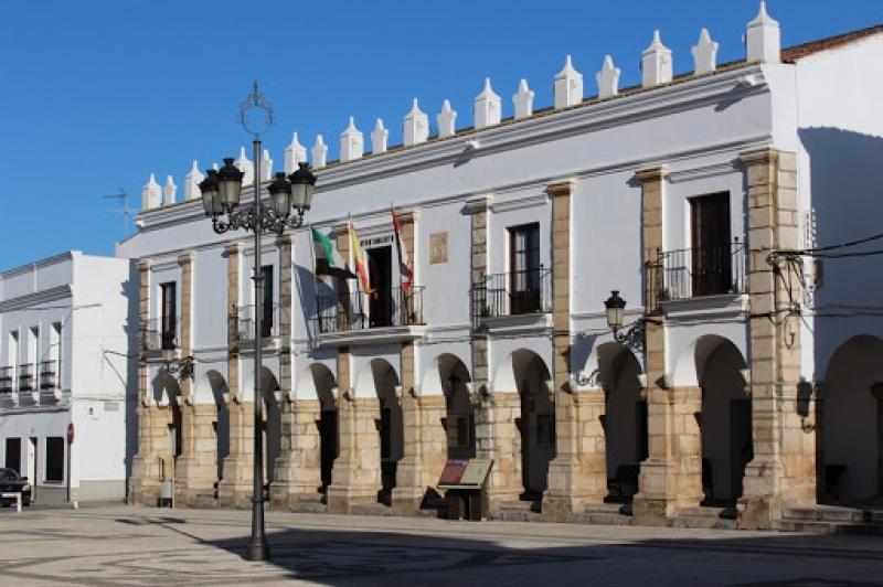 El alcalde de Fuente del Maestre desmiente que se vaya a `cerrar el pueblo´ y anuncia medidas cautelares ante la actual situación