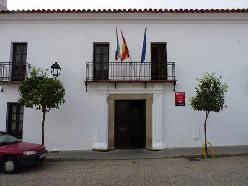 El Ayuntamiento de Burguillos del Cerro destina 8000 euros de festejos en los centros educativos y guarderías locales