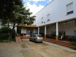 El Ayuntamiento de Los Santos de Maimona convoca dos plazas de enfermería para la Residencia de Mayores con carácter urgente