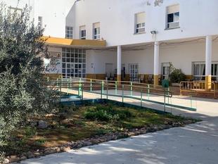 Las pruebas PCR realizadas en la Residencia de Mayores de Los Santos de Maimona confirman 3 positivos de residentes y de un trabajador
