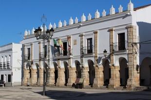 El Ayuntamiento de Fuente del Maestre destinará 30.000€ para ayudar a autónomos, profesionales y pequeñas empresas que sufren el cierre comercial