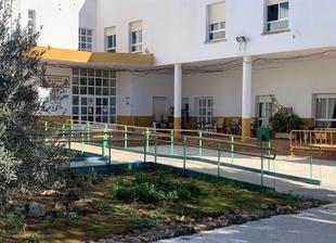 Más fallecimientos en la Residencia de Los Santos de Maimona y 14 nuevos positivos hoy en la comarca