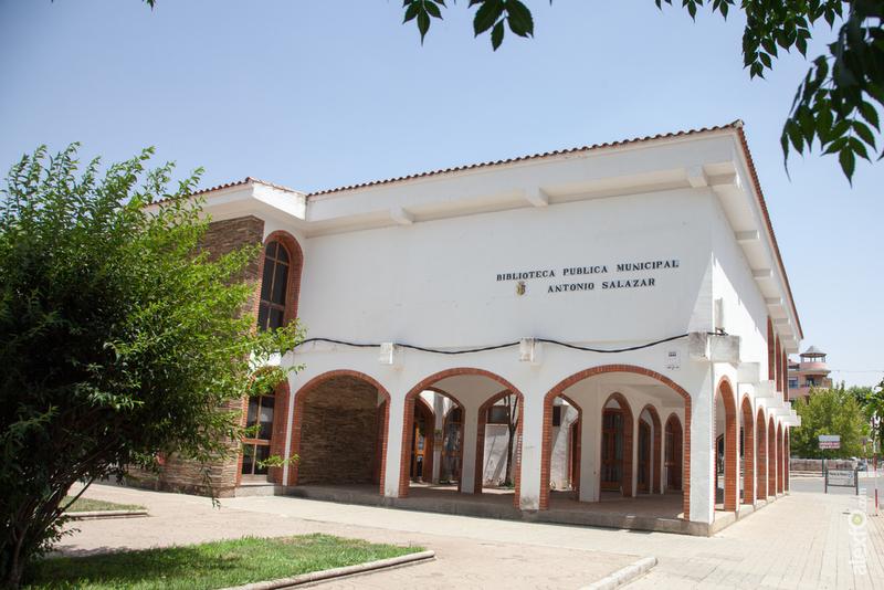 La Biblioteca Municipal Antonio Salazar de Zafra dejará de dar servicio a partir del próximo sábado 20 de Febrero