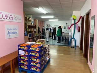 Zafra Solidaria recibía esta mañana más de 3000 kilos de alimentos