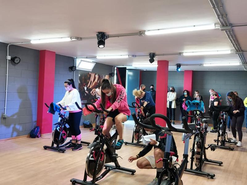 Inaugurada la nueva sala de spinning en Burguillos del Cerro