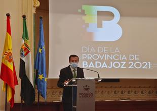 El teatro de Fuente del Maestre acoge este lunes 26 la entrega de las Medallas de Oro de la Provincia de Badajoz