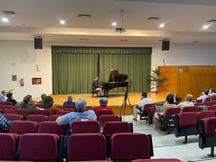 Raúl Salgueiro y Javier Jiménez ofrecieron un gran concierto de piano en Fuente del Maestre