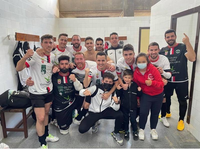 El equipo Grupo López Bolaños de Fuente del Maestre se proclama campeón de la Fase 2 del grupo 23C de la Tercera División Nacional de fútbol sala