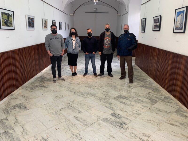 Abierta en la Casa de la Cultura de Los Santos la exposición de fotografías del curso de iniciación de Maldita Cultura
