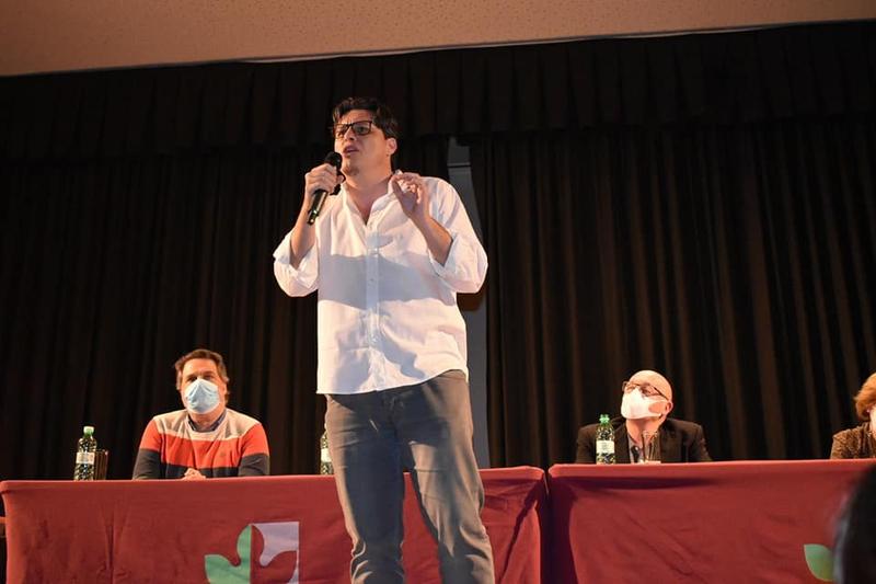 Duende Josele ofrecía anoche un recital poético musicado en Zafra