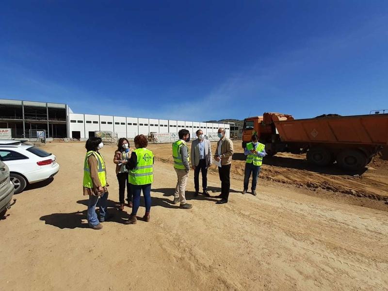 La obra de la nueva Estación de Bombeo de Aguas Residuales para el polígono agroganadero de Zafra avanza a buen ritmo