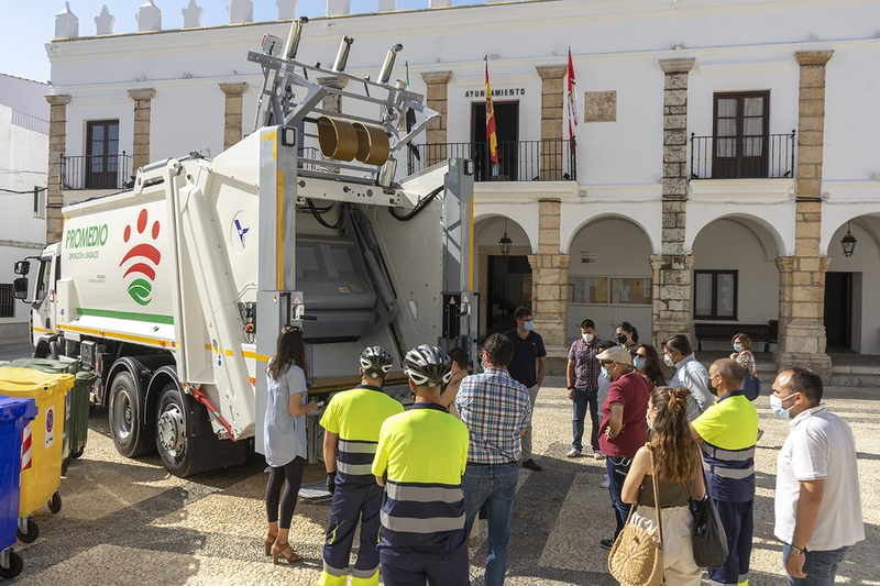 Fuente del Maestre estrena camión de recogida de basura
