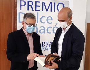 El escritor zafrense Luciano Feria recibirá este sábado el XV Premio Dulce Chacón en el Parador de Turismo de Zafra