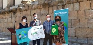 El Ayuntamiento de Valencia del Ventoso recoge el premio `Ecólatras Extremadura 2021´