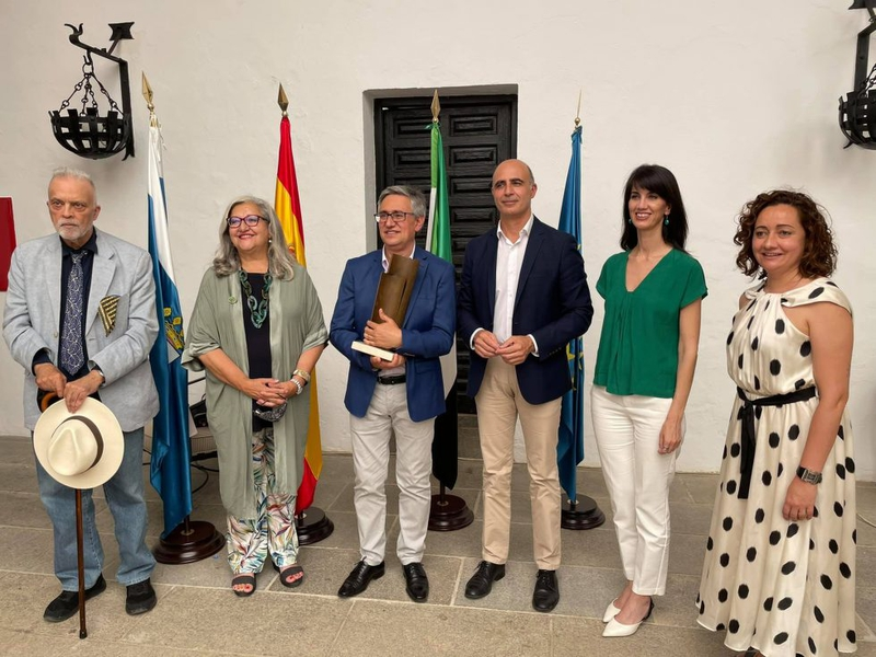 Luciano Feria recogía el XV Premio Dulce Chacón de Narrativa Española de Zafra